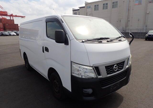 VW6E26000692-2012-nissan-nv