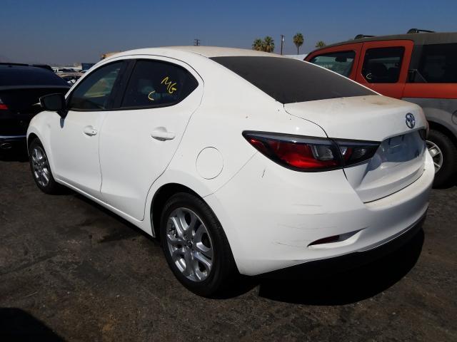 купить 2017 Toyota Yaris Ia 1.5L 3MYDLBYV2HY166379