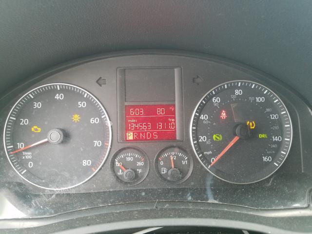 2009 VOLKSWAGEN JETTA SE - Engine View