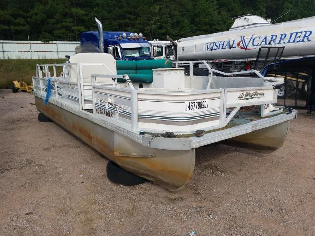 Salvage 2001 JCP DOLPHIN for sale