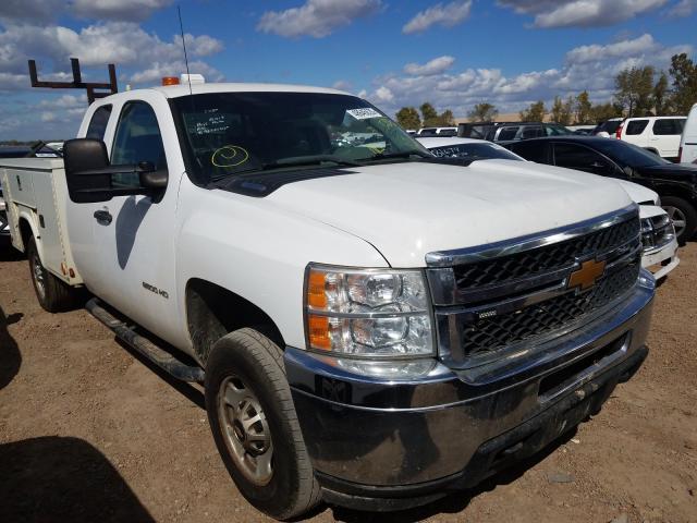 Salvage trucks for sale at Bridgeton, MO auction: 2013 Chevrolet Silverado