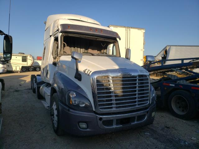 Salvage cars for sale from Copart Nampa, ID: 2016 Freightliner Cascadia 1