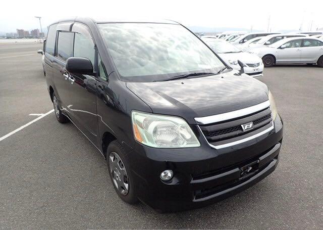 Salvage cars for sale at North Billerica, MA auction: 2006 Toyota Van Deluxe