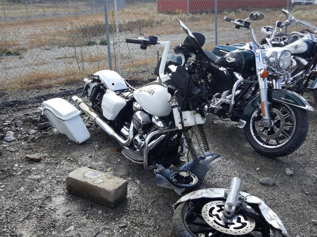 Salvage cars for sale from Copart Chambersburg, PA: 2017 Harley-Davidson Flhxs Street