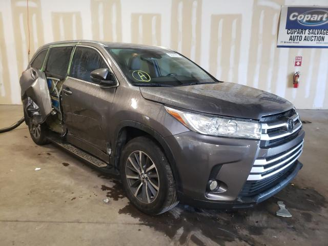 Salvage cars for sale from Copart Chalfont, PA: 2017 Toyota Highlander