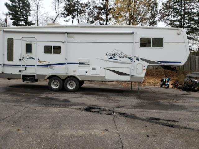 Salvage cars for sale from Copart Blaine, MN: 2004 Colorado Travel Trailer