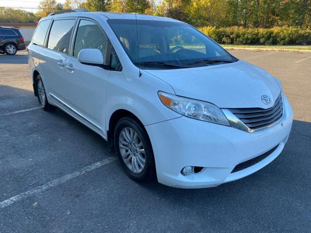 Salvage cars for sale from Copart New Britain, CT: 2013 Toyota Sienna XLE