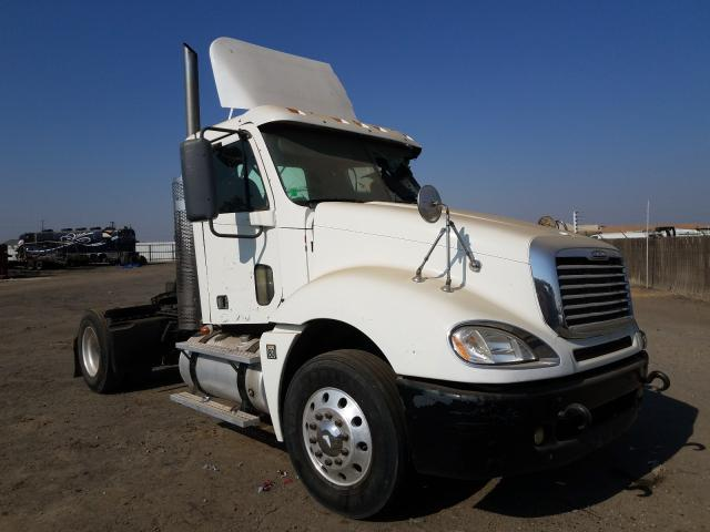 Salvage cars for sale from Copart Bakersfield, CA: 2008 Freightliner Convention