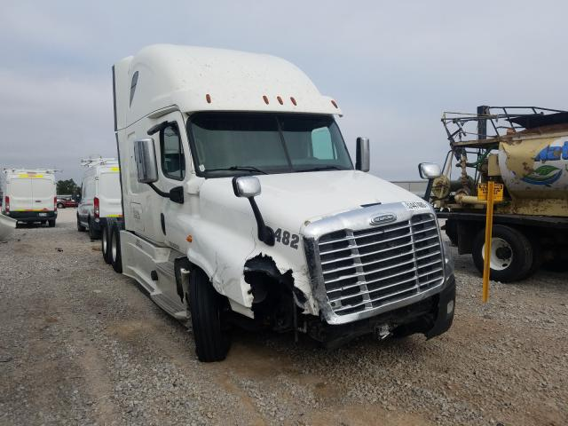Salvage cars for sale from Copart Tulsa, OK: 2017 Freightliner Cascadia 1