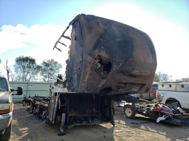 Salvage trucks for sale at Pekin, IL auction: 2017 Keystone Alpine