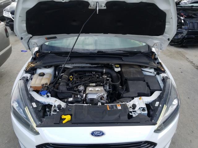 1FADP3FE2HL238532 2017 Ford Focus Se 1.0L