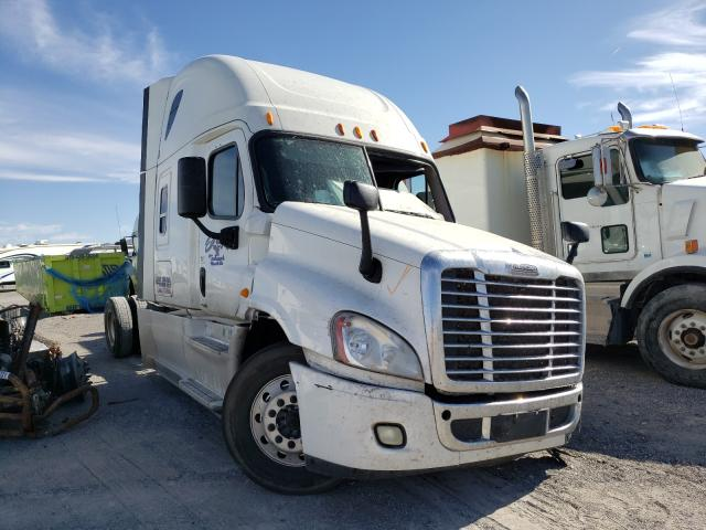 Salvage cars for sale from Copart Anthony, TX: 2014 Freightliner Cascadia 1