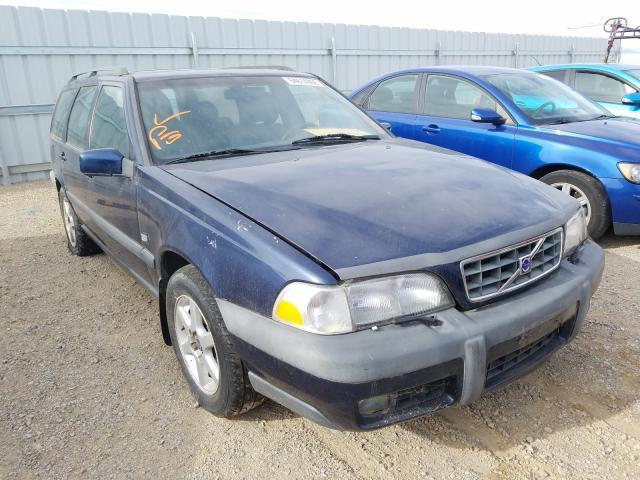 Salvage cars for sale from Copart Anderson, CA: 1999 Volvo V70 XC