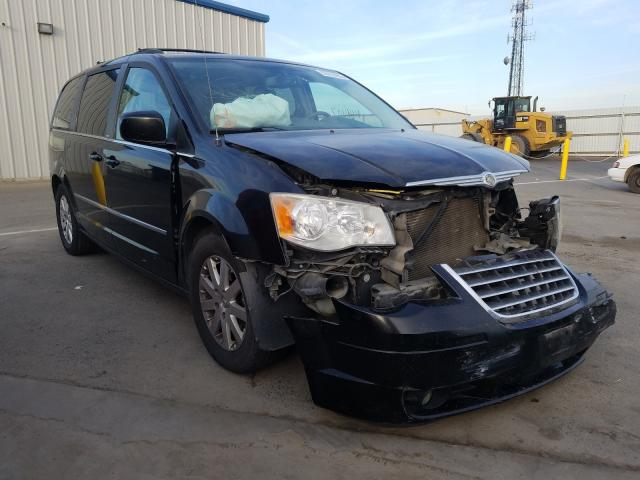 2A8HR54179R521544-2009-chrysler-minivan-0