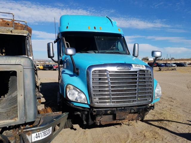 Salvage cars for sale from Copart Albuquerque, NM: 2013 Freightliner Cascadia 1