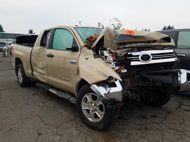 Salvage cars for sale from Copart Woodburn, OR: 2017 Toyota Tundra DOU