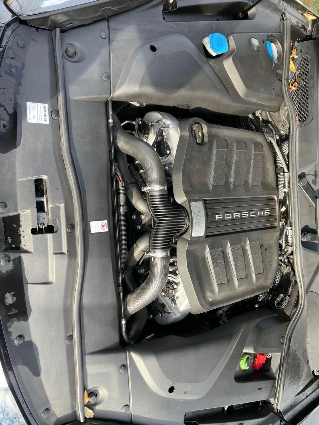 2018 Porsche CAYENNE   Vin: WP1AD2A27JLA80528