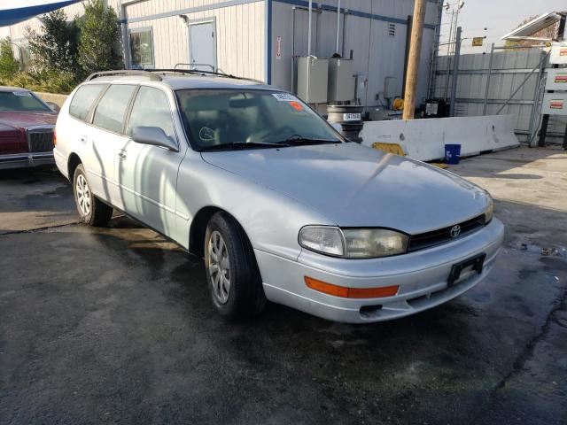 Salvage cars for sale from Copart Wilmington, CA: 1993 Toyota Camry LE