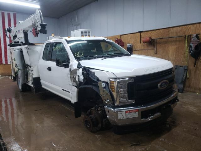 Salvage cars for sale from Copart Kincheloe, MI: 2019 Ford F550 Super