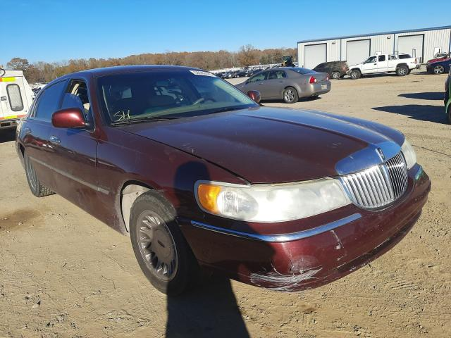 Salvage cars for sale at Conway, AR auction: 2001 Lincoln Town Car C