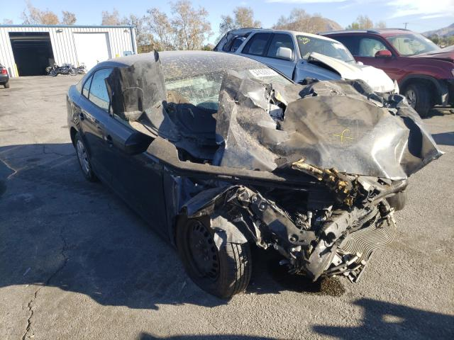 Salvage cars for sale from Copart Colton, CA: 2015 Volkswagen Jetta Base