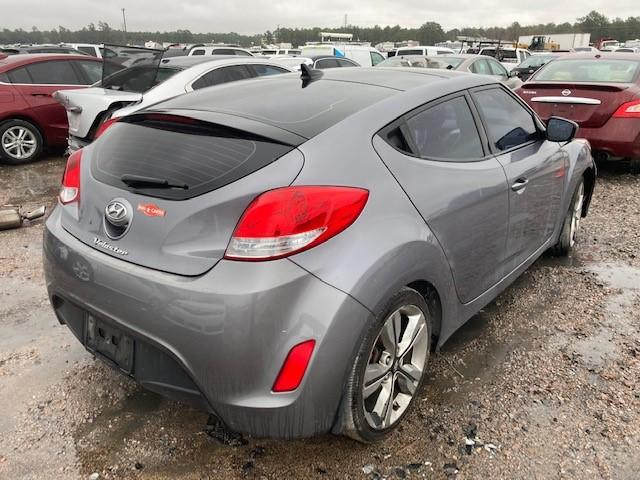 2016 HYUNDAI VELOSTER - Right Rear View