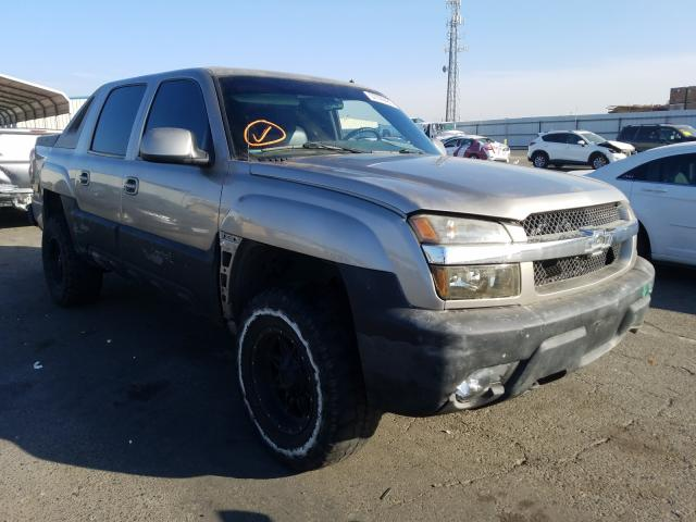 Salvage cars for sale from Copart Fresno, CA: 2002 Chevrolet Avalanche