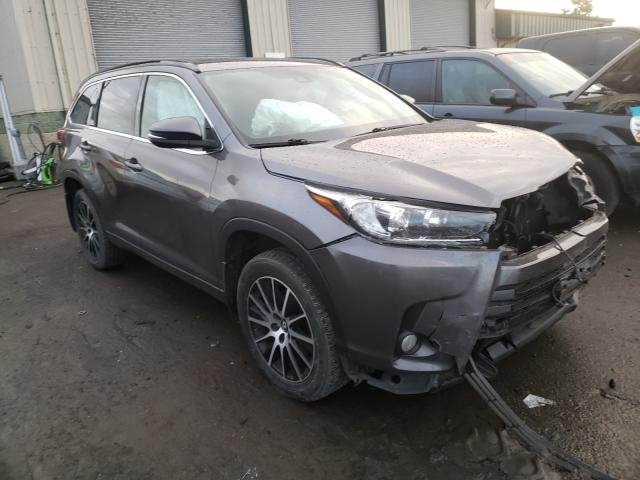 Salvage cars for sale from Copart Eugene, OR: 2017 Toyota Highlander