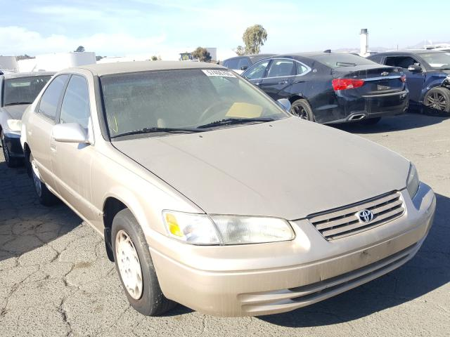 Salvage cars for sale from Copart Martinez, CA: 1998 Toyota Camry CE