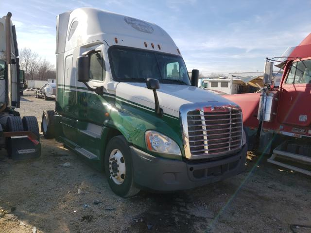 Salvage cars for sale from Copart Kansas City, KS: 2016 Freightliner Cascadia 1