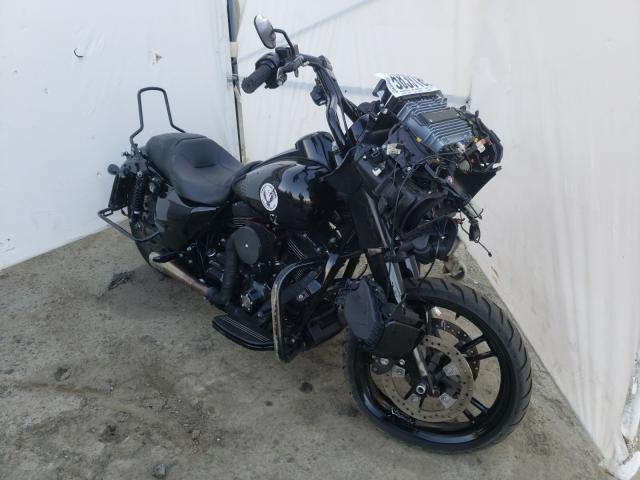 Salvage cars for sale from Copart Waldorf, MD: 2016 Harley-Davidson Fltrxs ROA