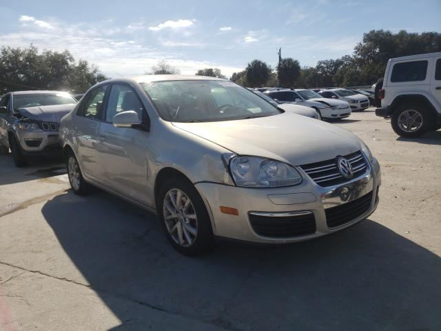 Salvage cars for sale from Copart Punta Gorda, FL: 2010 Volkswagen Jetta Limited