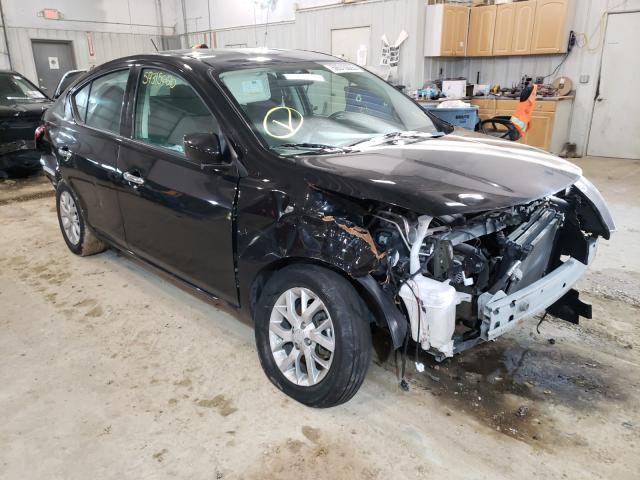 Salvage cars for sale from Copart Columbia, MO: 2018 Nissan Versa S
