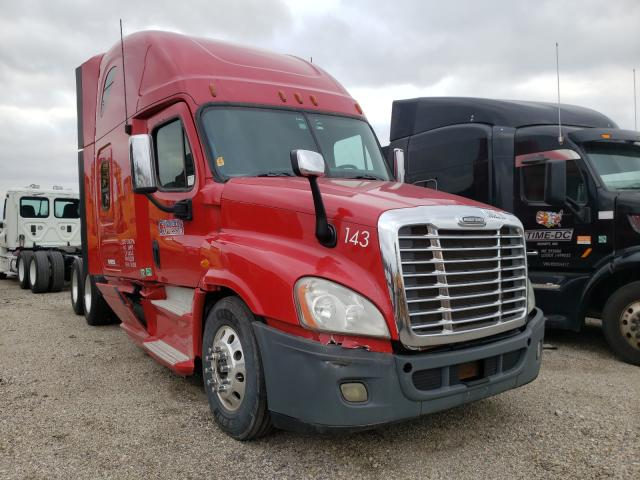 Salvage cars for sale from Copart Columbus, OH: 2013 Freightliner Cascadia 1