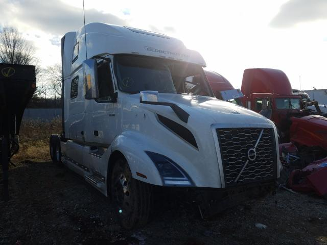 Salvage cars for sale from Copart Cicero, IN: 2020 Volvo VN VNL