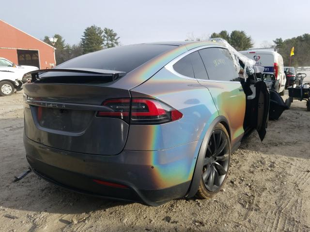 2018 Tesla MODEL X   Vin: 5YJXCAE4XJF111892
