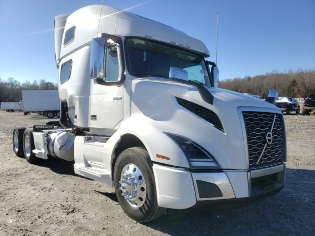 Salvage cars for sale from Copart Spartanburg, SC: 2019 Volvo VN VNL