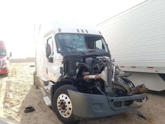 Salvage cars for sale from Copart Albuquerque, NM: 2016 Freightliner Cascadia 1