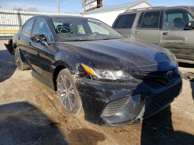 Salvage cars for sale from Copart Wichita, KS: 2020 Toyota Camry SE