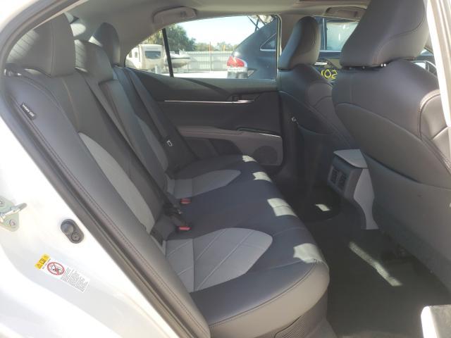 4T1B21HK1JU001551 2018 Toyota Camry Hybr 2.5L