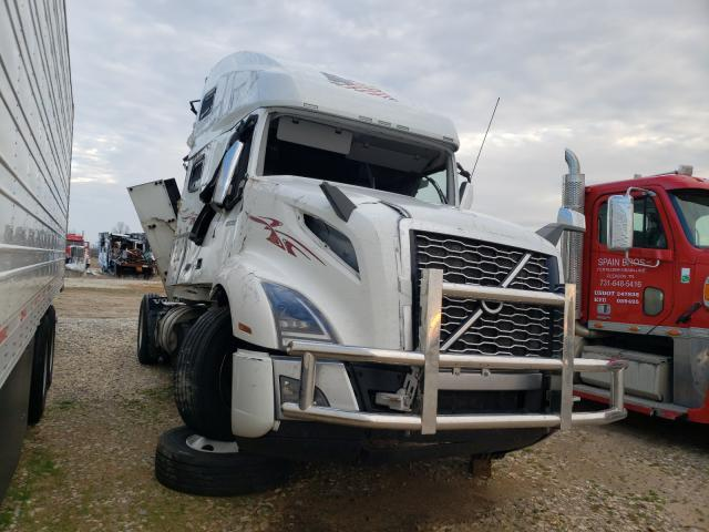 Salvage cars for sale from Copart Sikeston, MO: 2020 Volvo VN VNL