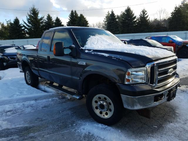 Salvage cars for sale from Copart Angola, NY: 2006 Ford F250 Super