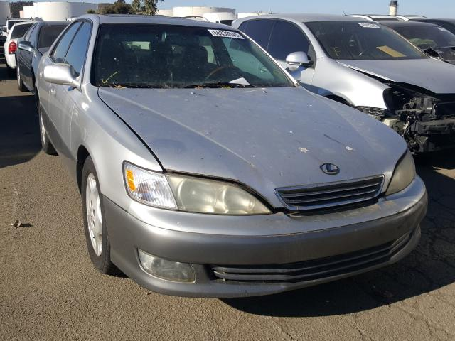 Salvage cars for sale from Copart Martinez, CA: 2000 Lexus ES 300