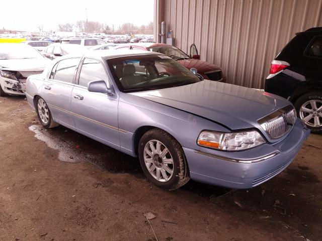 Salvage 2006 LINCOLN TOWNCAR - Small image. Lot 29802701