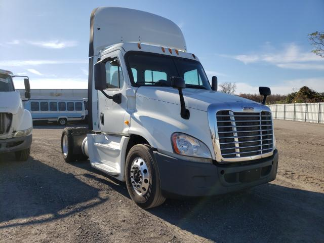Salvage cars for sale from Copart Orlando, FL: 2014 Freightliner Cascadia 1