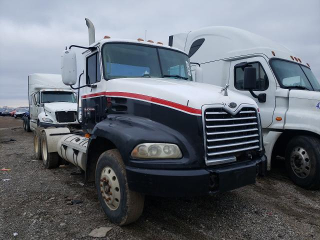 Salvage cars for sale from Copart Columbia Station, OH: 2000 Mack 600 CX600