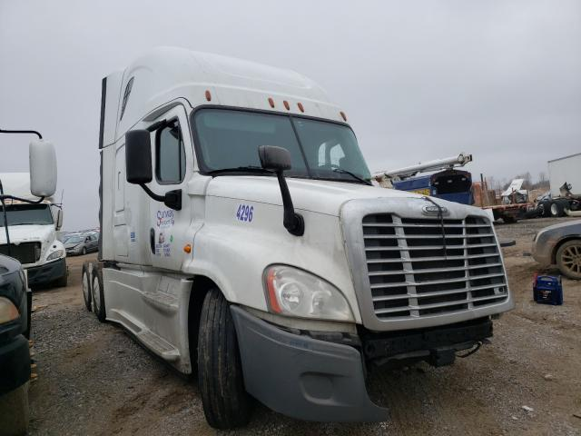 Salvage cars for sale from Copart Columbia Station, OH: 2016 Freightliner Cascadia 1