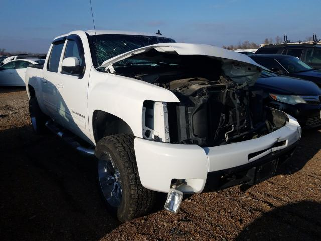 Salvage trucks for sale at Bridgeton, MO auction: 2011 Chevrolet Silverado