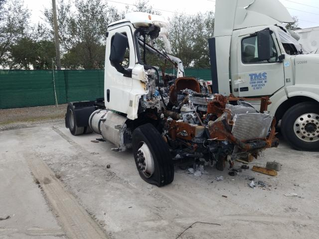 Salvage cars for sale from Copart West Palm Beach, FL: 2020 Freightliner Cascadia 1