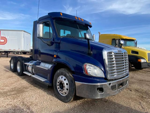Salvage cars for sale from Copart Amarillo, TX: 2012 Freightliner Cascadia 1